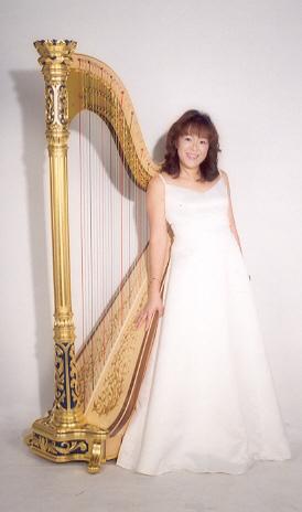 Singapore Harpist Magdalene Wong's Homepage: http://www.singaporeharpist.com/